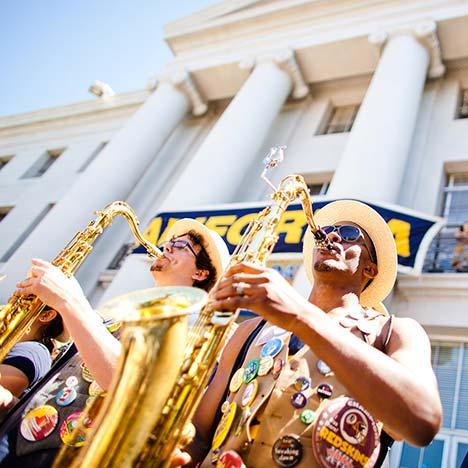 Cal band performing on Sproul Hall steps. Photo by Elena Zhukova.